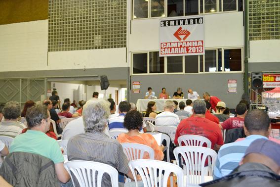 Seminário realizado no dia 13 de abril para organizar a Campanha Salarial 2013
