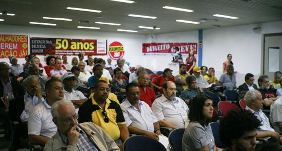 slider_debate_empresas_ditadura