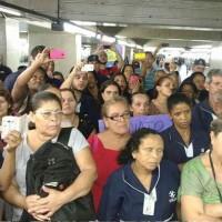 Trabalhadores da limpeza do metrô paralisam por falta de pagamentos