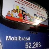 Banner da Campanha Contra a Privatização em ônibus