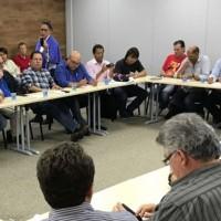 Centrais reunidas decidem ocupar Brasília contra reformas