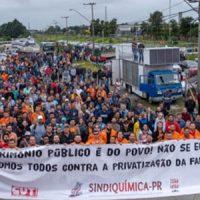 Todo apoio à greve dos Petroleiros
